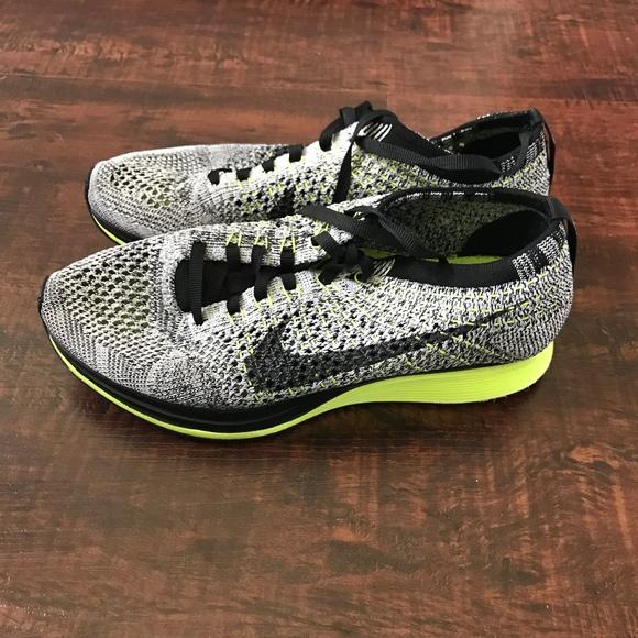 9e82602f2ace Nike Flyknit Racer Oreo   Volt RARE. M 5b26ee9b8ad2f9397b14f485
